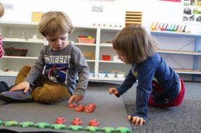 Entraide des maternelles à l'école Montessori Internationale de Bordeaux-Gradignan