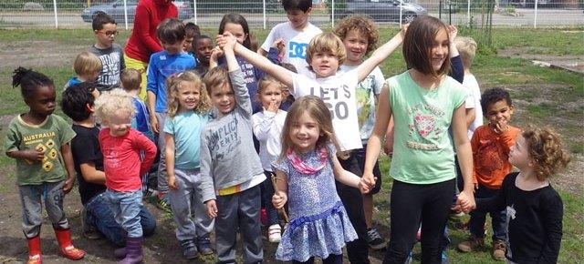 Mélange des âges en école Montessori