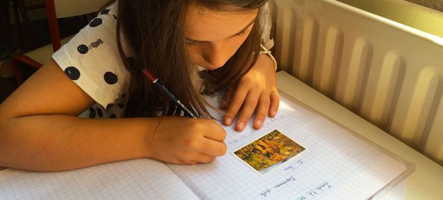 Expression écrite en primaire et collège Montessori