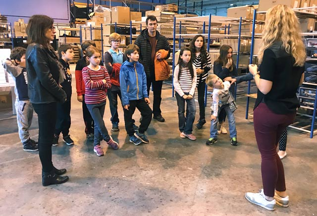 Montessori International Bordeaux - visite minaluxe - entrepôt