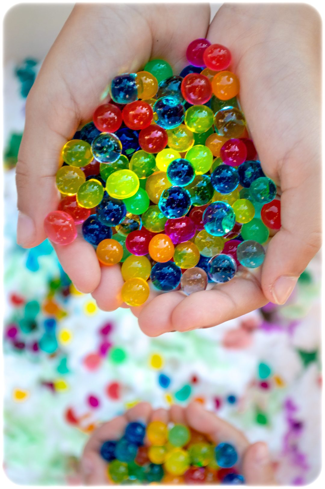 Shaving-foam-water-beads-sensory-play