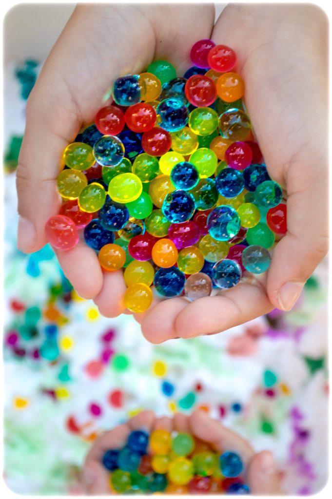 Shaving-foam-water-beads-sensory-play