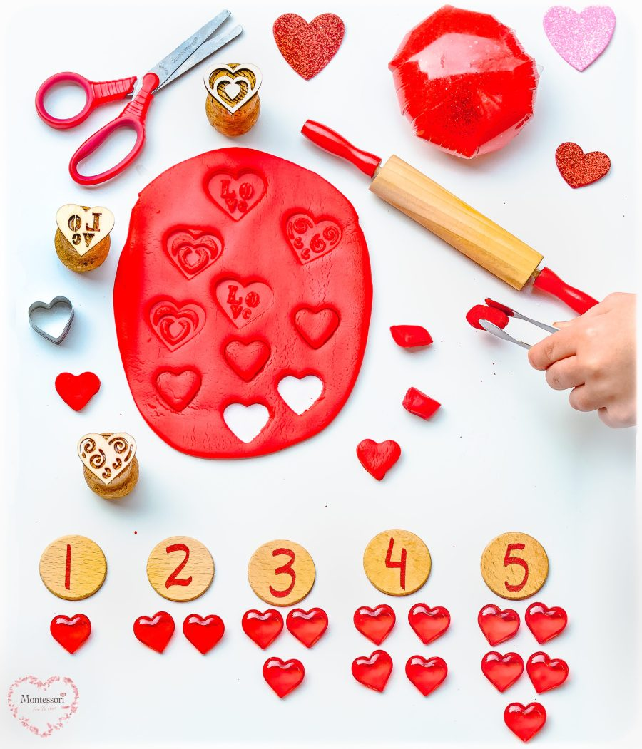 Hearts-Play-Dough-Learning-Kit