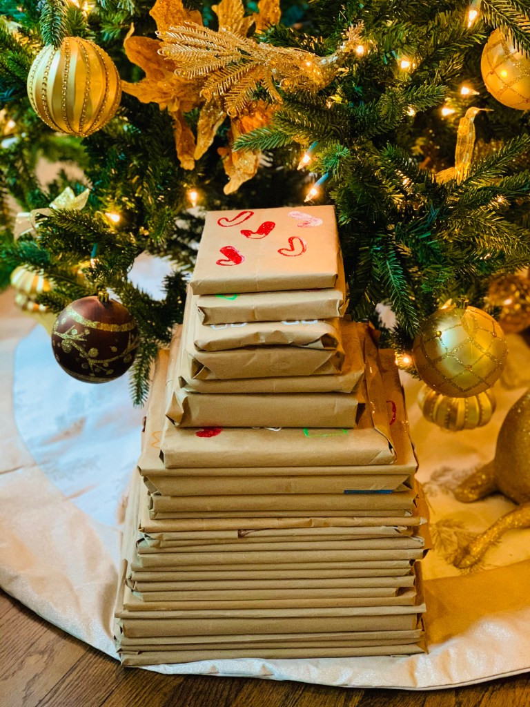 RECYCLED DIY BOOK ADVENT CHRISTMAS TREE