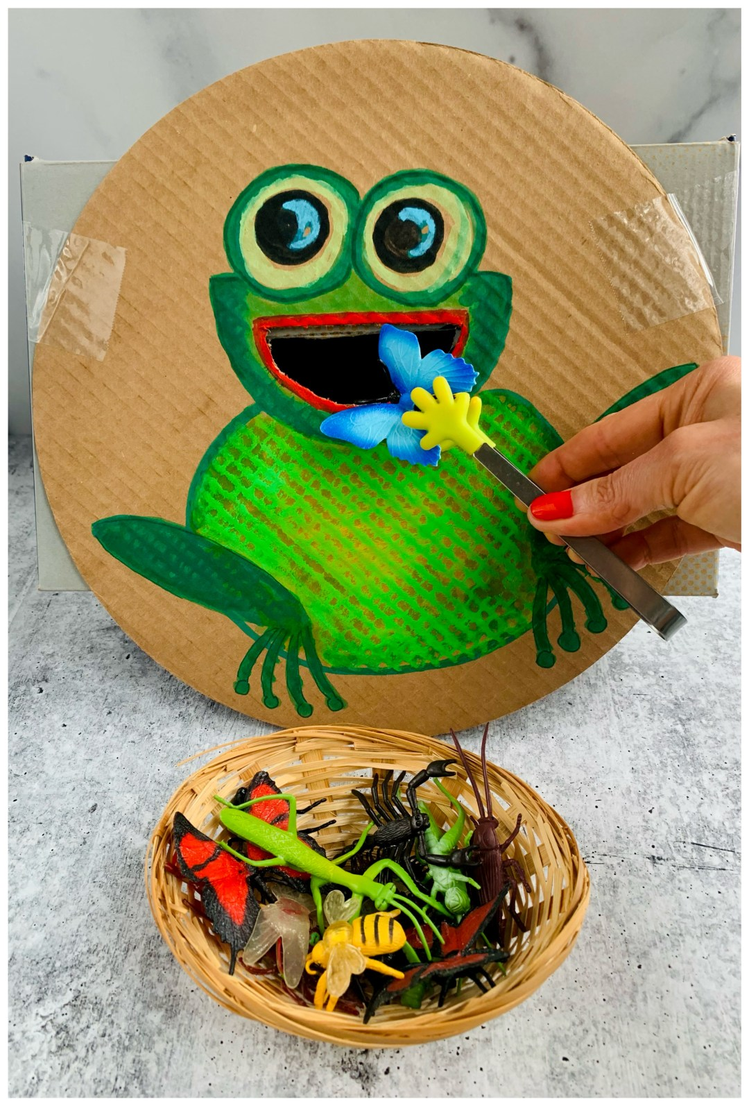 FEED THE FROG CARDBOARD DIY KIDS ACTIVITY