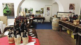 """La cantina allestita per l'evento """"Varchi di Vino"""""""