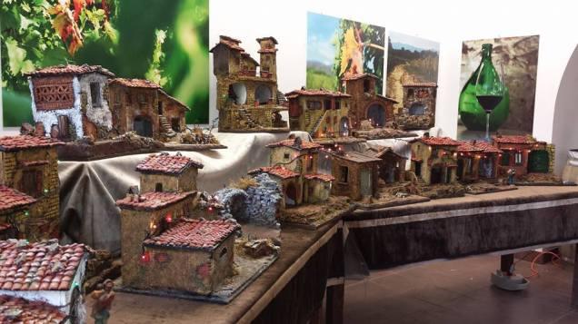"""La mostra di presepi ispirati al paesaggio rustico valdarnese allestita presso l'evento """"Varchi Di Vino"""""""
