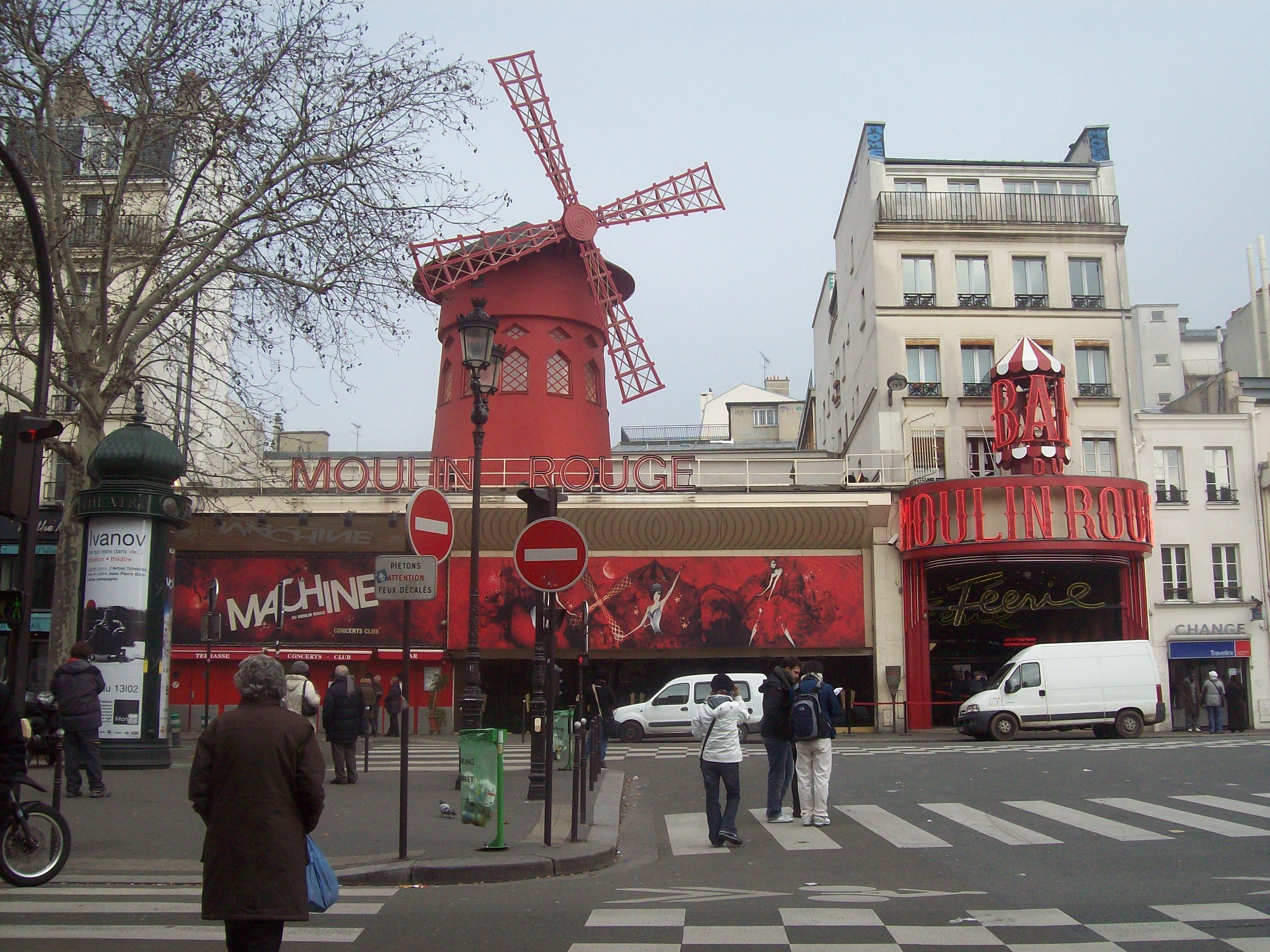 Montmartre La Muse Des Artistes Montmartre De La Belle