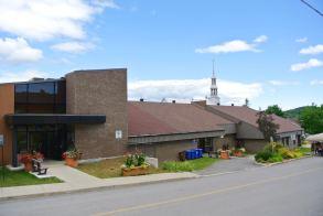 Chertsey, bibliothèque et salle communautaire