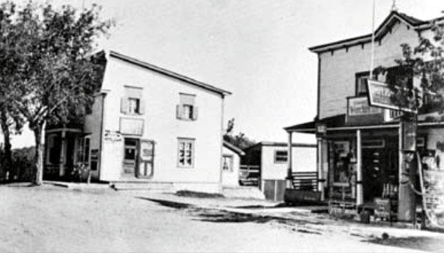 Le magasin de Joseph Dupuis et le bureau de poste1945