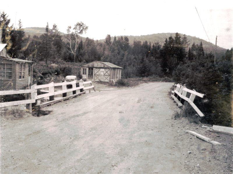 Pont de la rivière Kenny – Domaine des Chutes, Chertsey