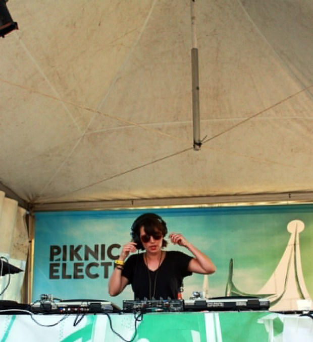 The One Tash. Piknic Electronik. Photo Lili Hudecova.