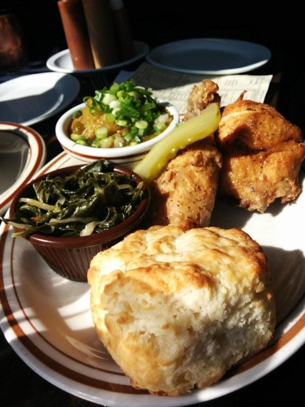 Fried Chicken. Dinette Triple Crown. Photo Esther Szeben.