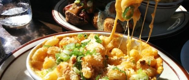 Macaroni and cheese. Dinette Triple Crown. Photo Esther Szeben.