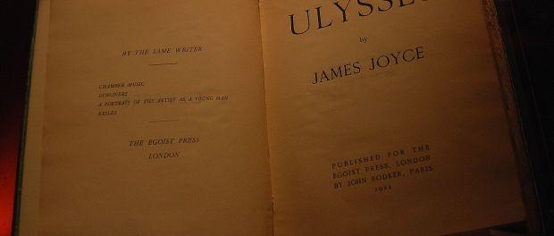 A printing of Joyce's novel Ulysses (c. 1923). Photo credit: Paul Hermans/Wikimedia Commons.