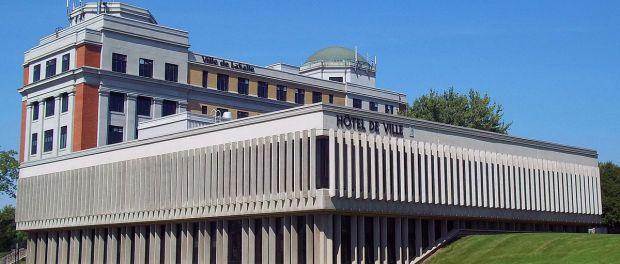 LaSalle's city hall. Photo credit: Jean Gagnon/Wikimedia Commons