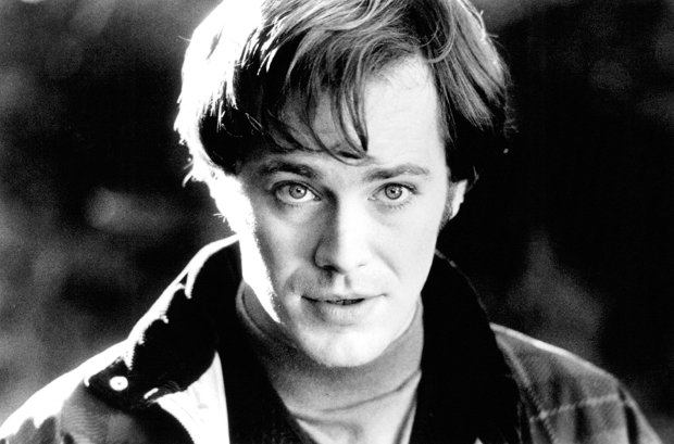 Peter Outerbridge in Kissed