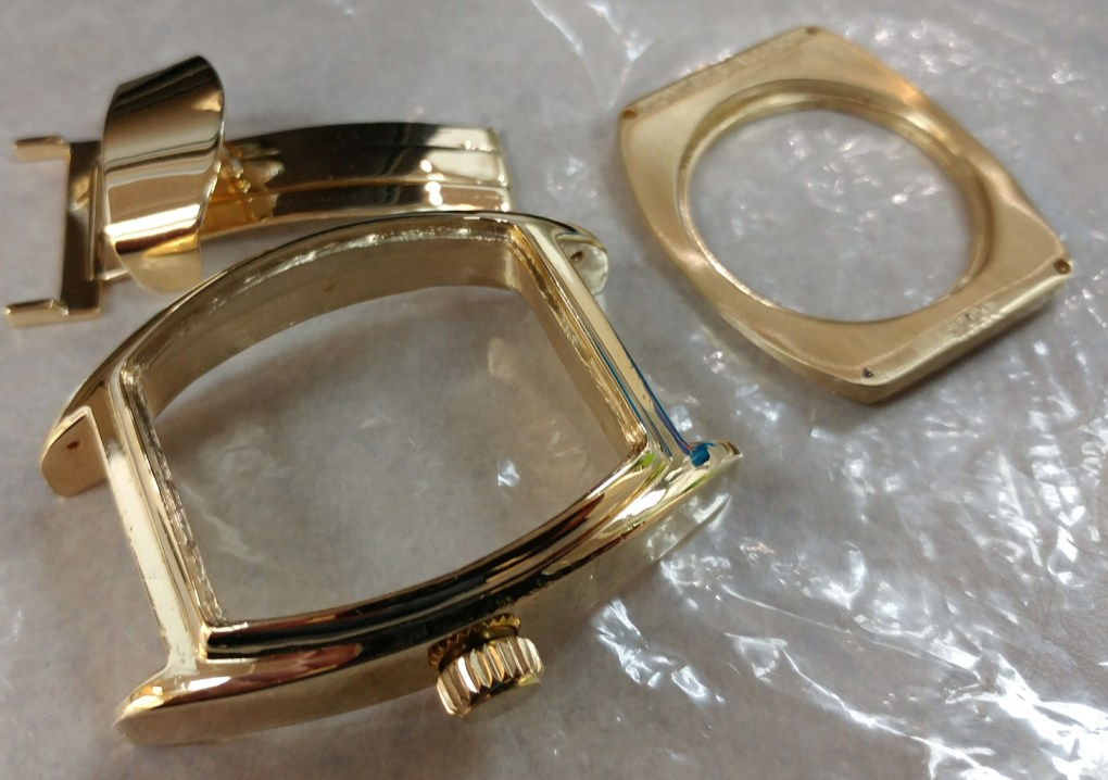 Montres Allison gold case and deployant clasp