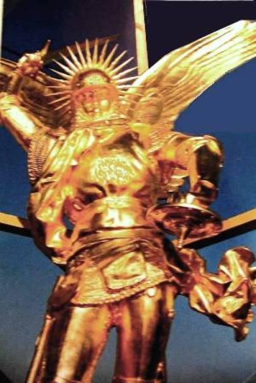 Statue archange Saint-Michel Mont-Saint-Michel