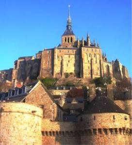 Le nouveau clocher et la flèche du Mont-Saint-Michel