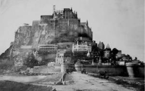 Construction du nouveau clocher du Mont-Saint-Michel