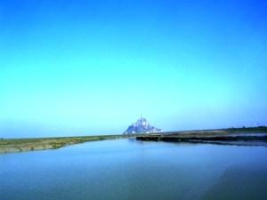 Vue du Mont-Saint-Michel du belvédère du barrage