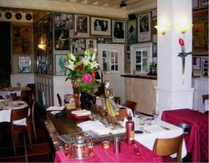 Mère Poulard salle restaurant Mont-Saint-Michel