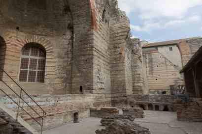 Arles 049