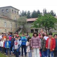 Escolares do CEIP Monte Baliño visitando o Convento de Ferreira de Pantón