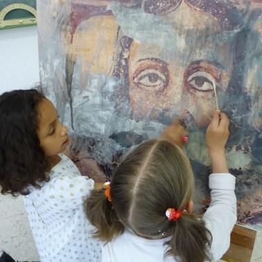 Escolares de CEIP do Bolo no obradoiro Mans á obra de Monumenta