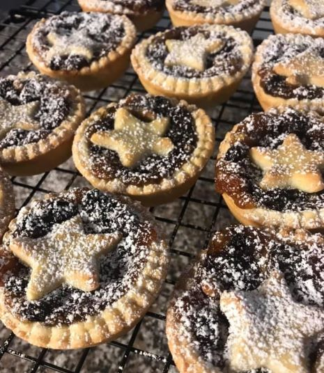 Traditional Mince Pies <br>£5.50 for 6