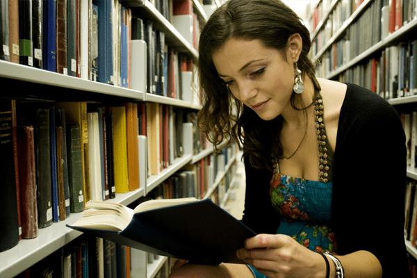 5 أشياء تحدث لك حين تقرأ .. هل تعرف ماهي ؟