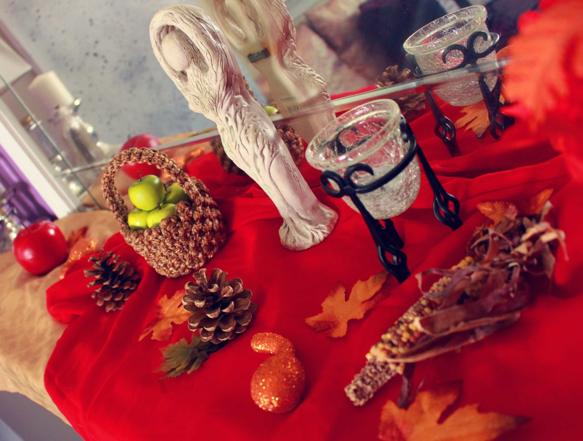 fall wiccan altar