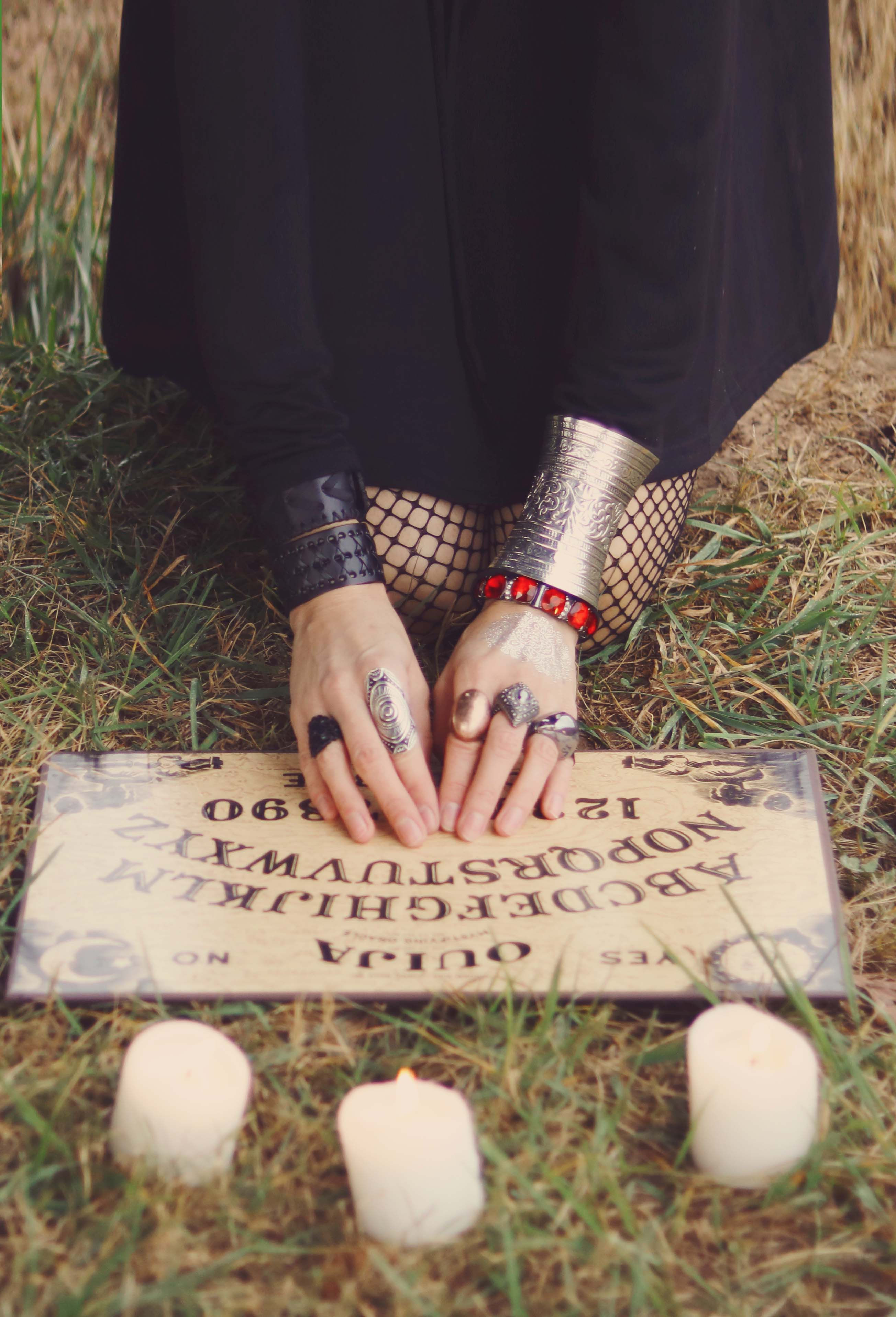 Weird, unexplained and mindblowing facts about witchcraft, the occult and the paranormal.