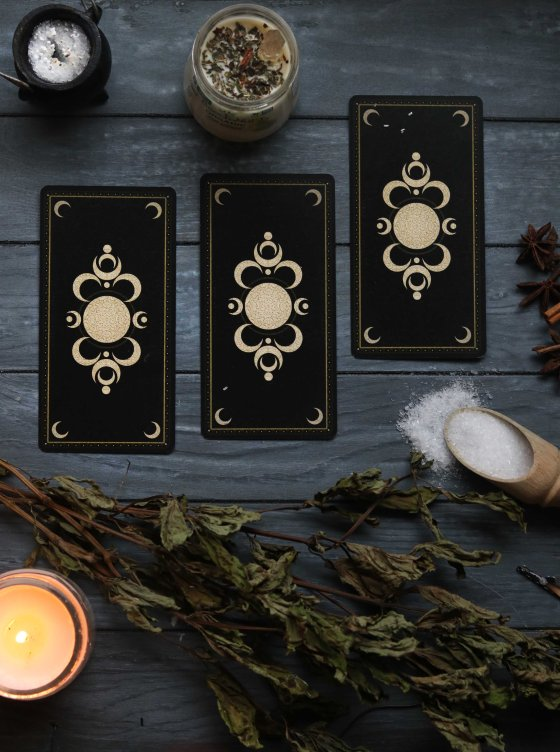 Choosing your first tarot deck.