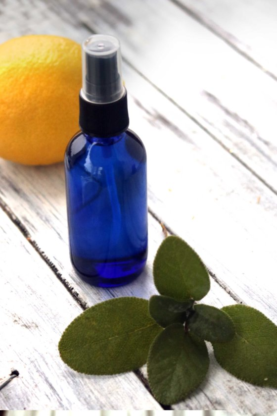 This DIY smokeless smudging spray is clean and 100% natural. Free of dyes, artificial ingredients, and most of all, harsh carcinogens produced by smoke, this spray is perfect for witches living in dorm rooms or with asthma. A great, smokeless alternative!