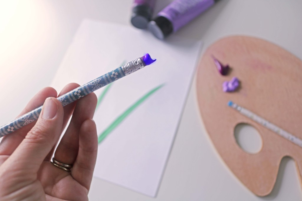 Easy paint and paper craft using a pencil eraser as a paint brush.
