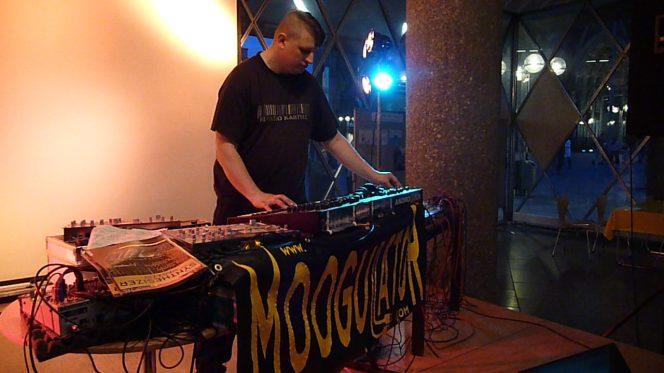 moogulator_21