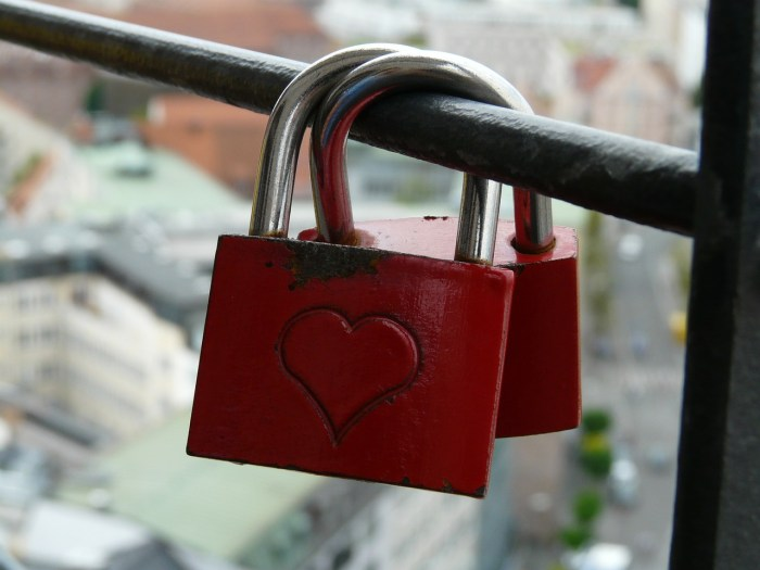 love-locks-59066_1280