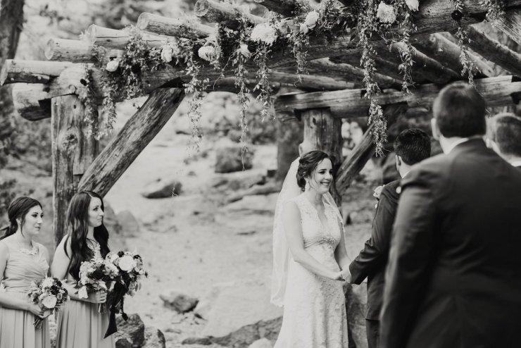 39-tamarack-lodge-forest-chapel-wedding-photographer