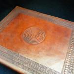 photo album-labyrinth