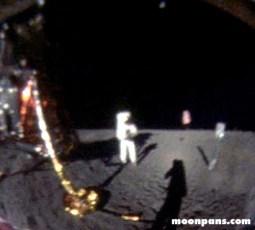 Foto di Neil Armstrong sulla Luna