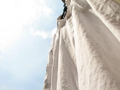 麻シャツの洗濯縮みを防ぐ簡単手入れ!色落ちやシワのアイロンも解決!