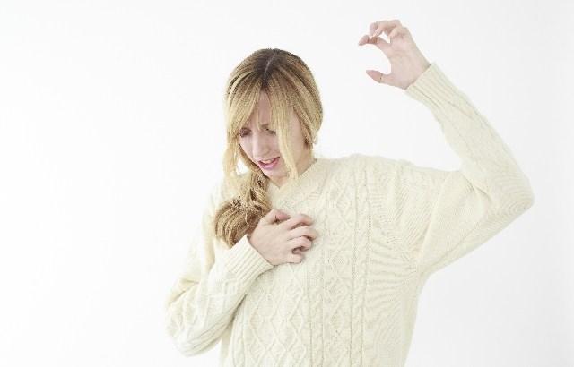 服の静電気をとる方法は?洋服の素材や組み合わせでも変わる!