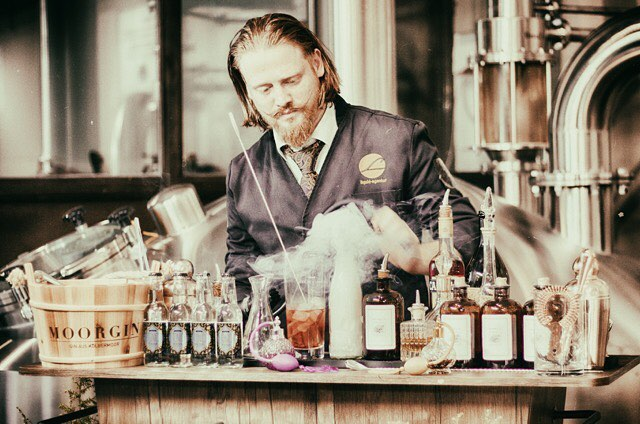 MOORDESTILLERIE Signature Drinks Peter A. Wolf Loup