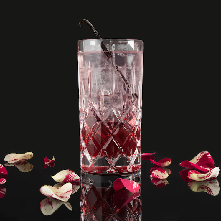 NEW YORK MOORGIN & TONIC - MOORDESTILLERIE Signature Drink