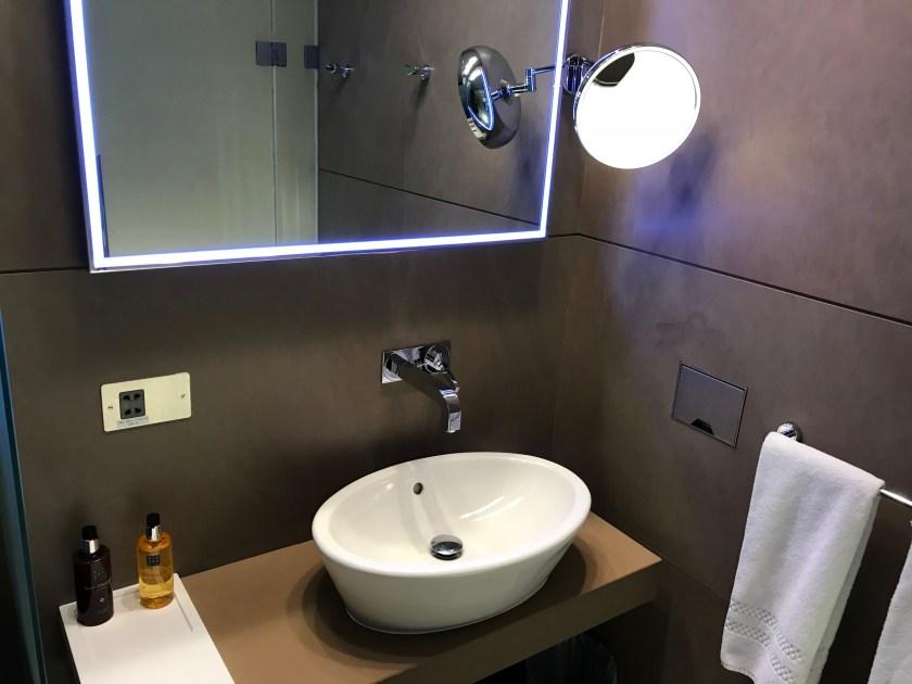 Al Mourjan Business Class Lounge Shower Suite Sink