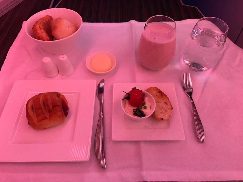 Qatar Airways A350 Business Class Breakfast