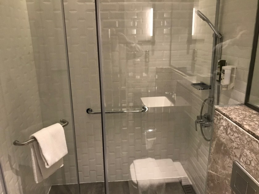 Plaza Premium Lounge Hong Kong East Shower Suite