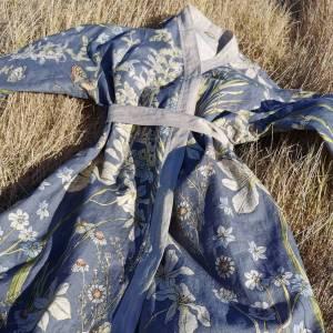 CoralBloom Kimono Purelinen Close-up
